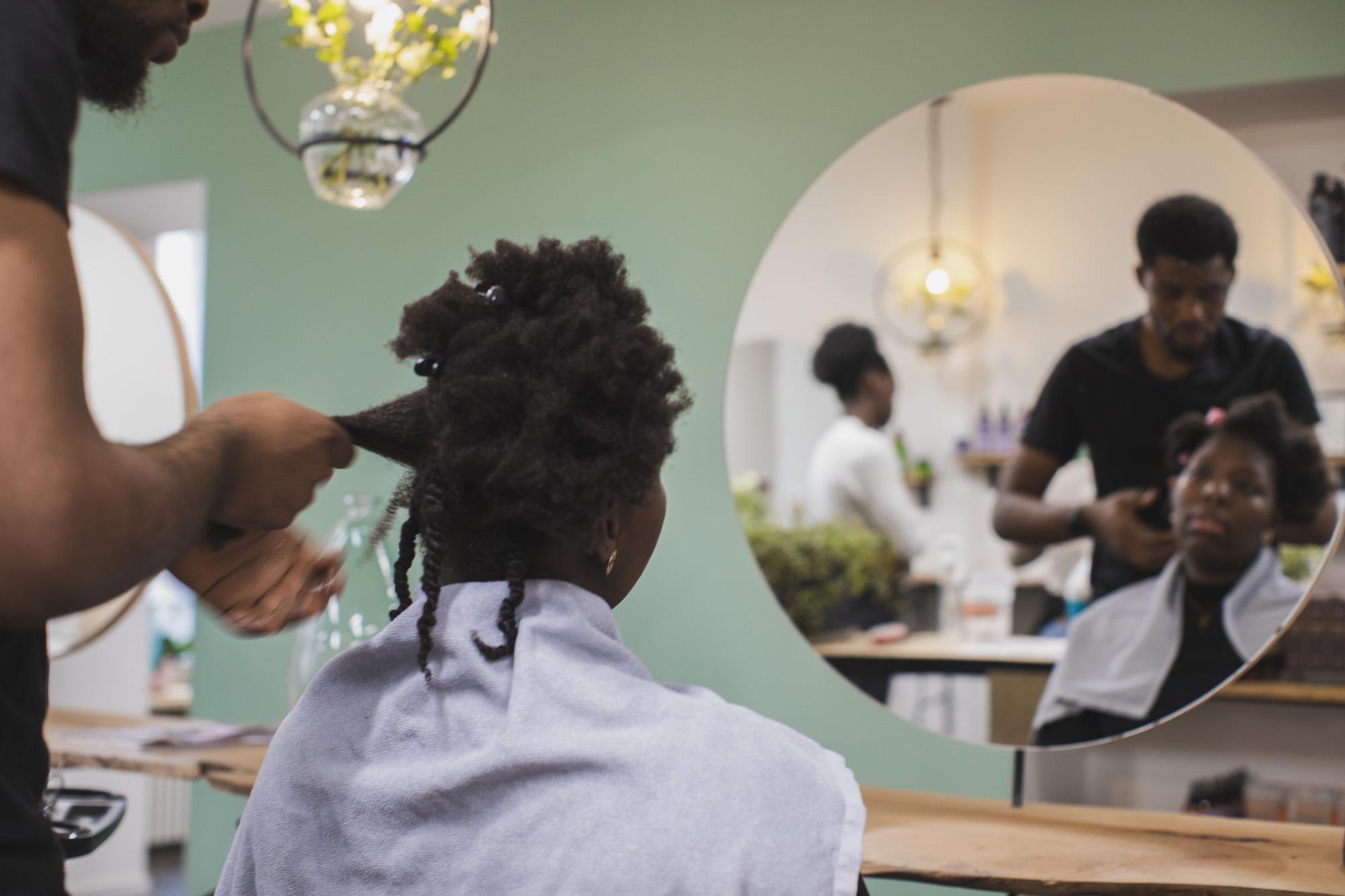 Salon de coiffure coupe afro